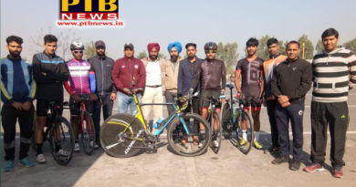 Sportspersons of Lyallpur Khalsa College won championship with 15 points in cycling match