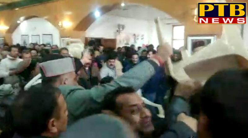 PTB Big Political News Himachal Pardeshshimla clash between himachal congress supoorters of virbhadra and sukhwinder sukhu in shimla