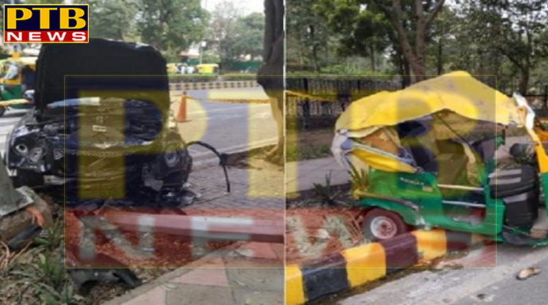 PTB Big Accident NewsalcoholBusinessman Ponty Chadha's nephews hit a strong collision with Marie Auto new delhicrime article ponty chadha nephew car badly hits autorickshaw at vinay marg new