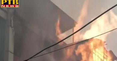 PTB Big Breaking Newsindianews fire breaks out at greeting card factory indelhis naraina 25 firetenders at spot