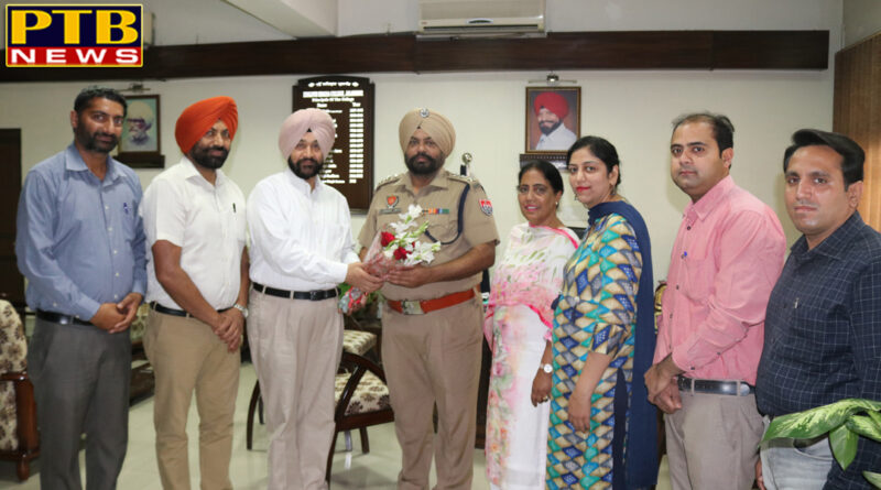 NSS and Youth Welfare Club at Lyallpur Khalsa College organized Blood Donation Camp
