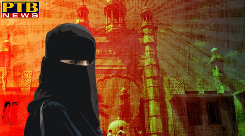 Supreme Court has asked the Center-Personal Law Board and the Wakf Council to respond to the entry of women in the mosque