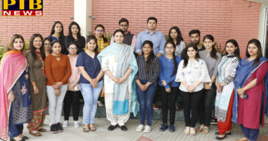 Apeejay College Students Shines in B.com semester III