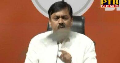 PTB Big Political News india news shoe hurled at bjp mp gvl narasimha rao during a press conference at bjp office PTB Big Breaking News