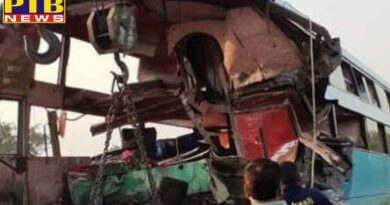 uttar pradesh fatehpur road accident seven dead in collision between bus and truck