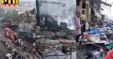 punjab sri kesgarh sahib 50 to 70 shops burnt along with 4 to 6 cars and 2 tippers