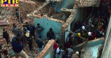 PTB Big Breaking News delhi rain sadar bazar building collapsed no casualties