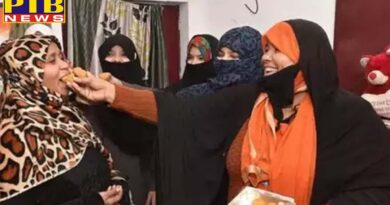 uttar pradesh lucknow muslim women in celebration mood on triple talaq nodat