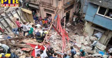 maharashtra mumbai four storey building collapses in mumbai