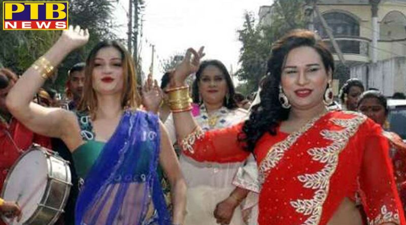 haryana hisar a transgender fell in love with a boy on fb the boy escaped after looting a lakhs of rupees and jewelry