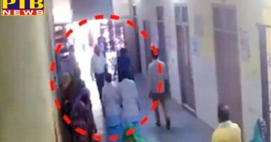 alwar women beat doctor in hospital Rajasthan