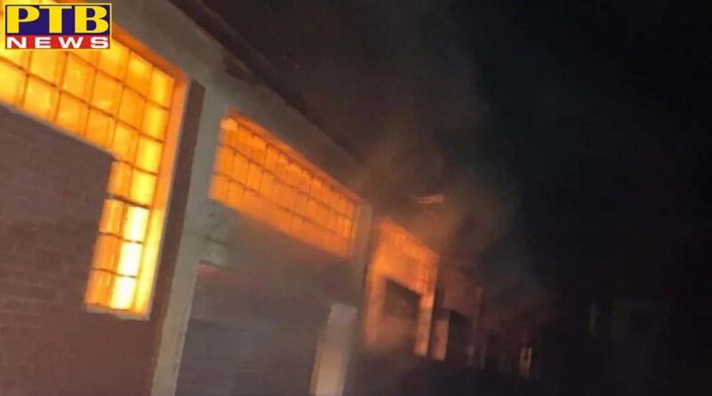 fire breaks out at cardboard factory in shamshi in kullu in himachal pradesh