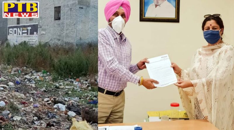 Councilor Shelly Khanna raises many questions about Surya Enquel Colony in front of EO Trust Jalandhar