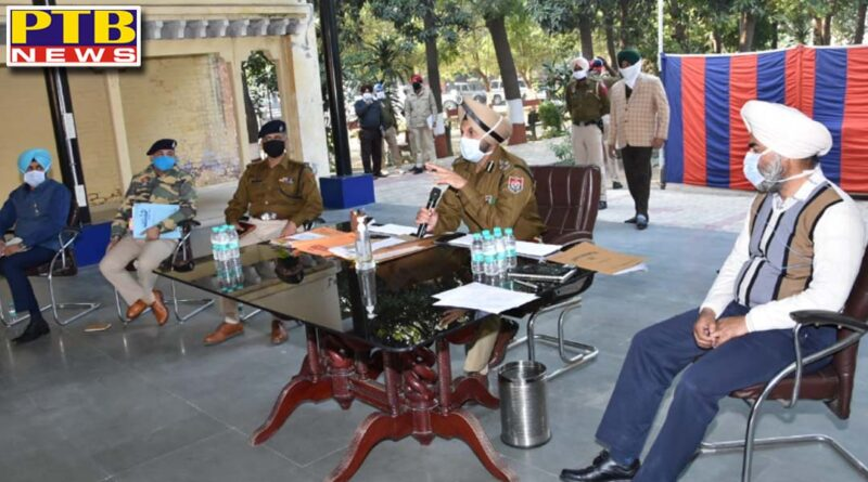 cp Jalandhar Gurpreet singh Bhullar orders action against violators of night curfew asks cops to ensure people adhere to covid protocols reviews law and order directs cops to increase vigil in the field Jalandhar