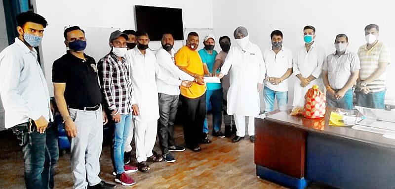 MLA Henry presents 50 thousand check to Gurudwara Shri Guru Ravidas Gadaipur Jalandhar