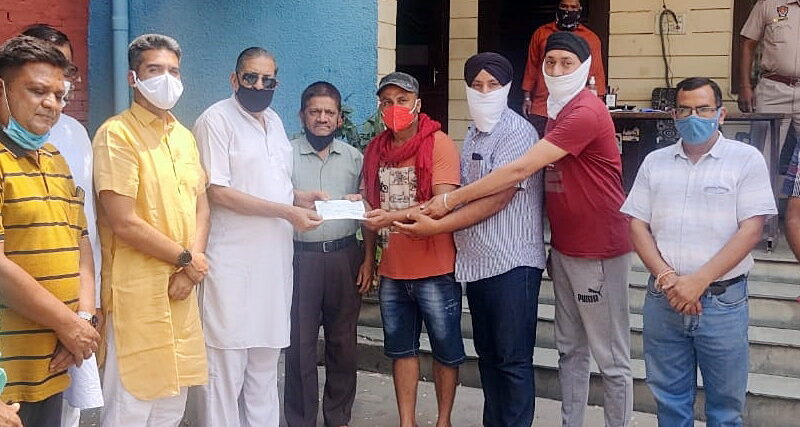 MLA Henry presented a check of Rs 50,000 to Gurdwara Singh Sabha Gadaipur Jalandhar