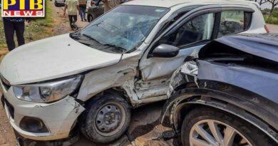 former cm om prakash chautala escapes unhurt in car accident in gurgaon haryana