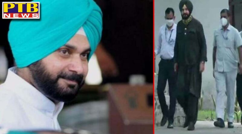 the picture is still there no guru navjot sidhu was again called to delhi amidst controversies Delhi Punjab political News